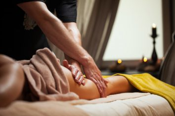 anti-cellulite-massage-luxury-spa_144627-2247